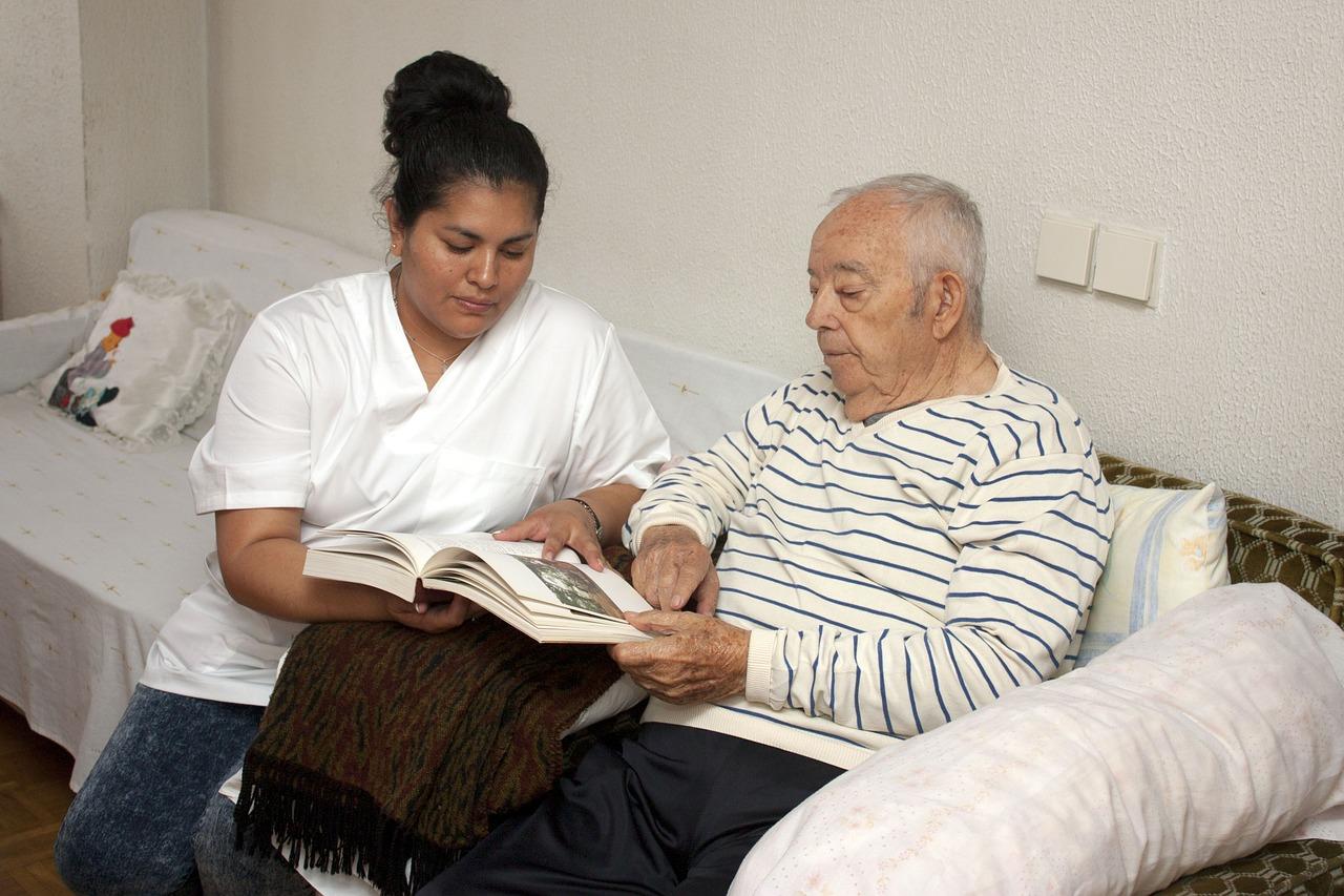 Alzheimer: os Cuidados com quem possui esta Doença