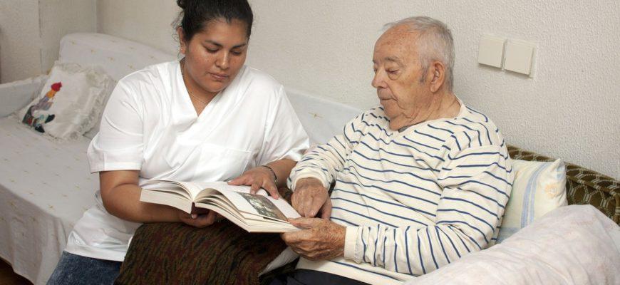 Alzheimer os Cuidados com quem possui esta Doença