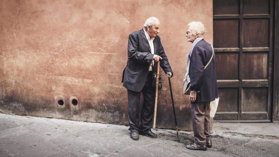 Conheça os primeiros sintomas do Mal de Parkinson