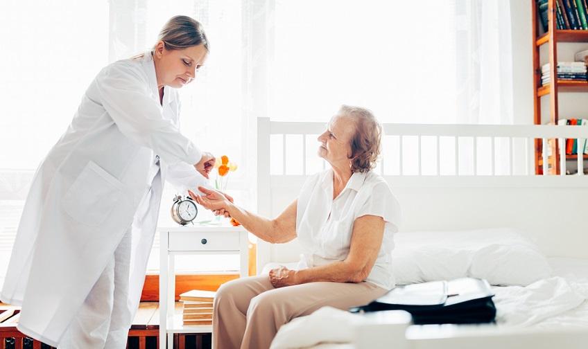 Cuidados para se ter com um idoso com problemas de pressão arterial