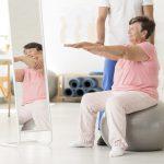 Como aliviar as dores de artrite em idosos?