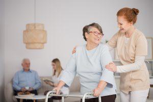 cuidar dos pais idosos - creche para idosos - morada primavera