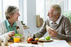 Como cuidar e manter uma boa alimentação na terceira idade?