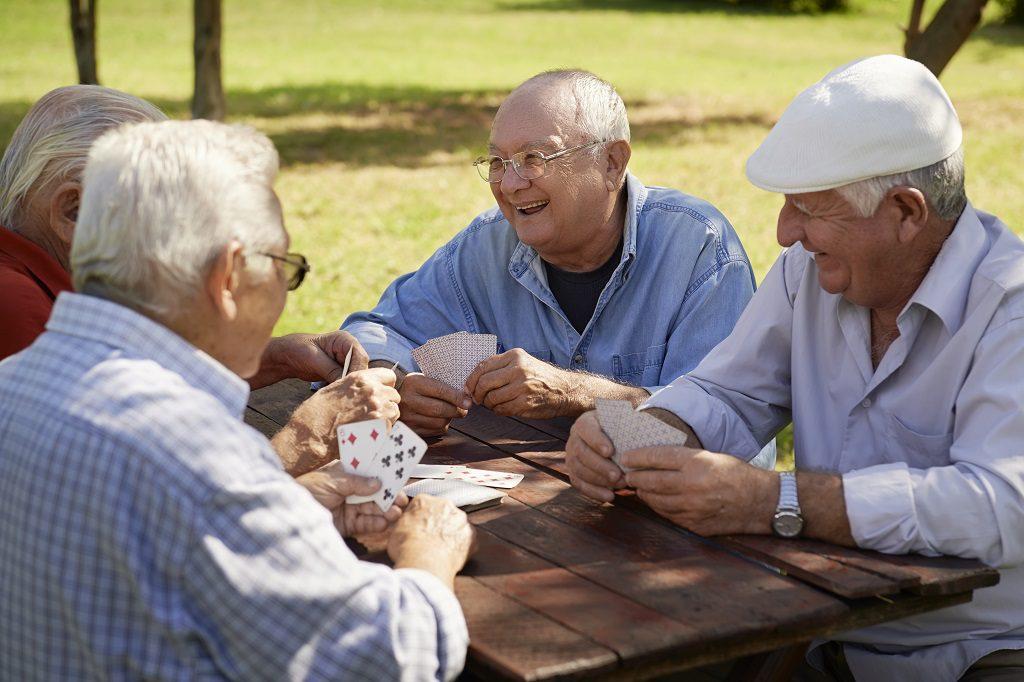 As 5 dicas para estimular a inteligência intelectual de um idoso da melhor forma