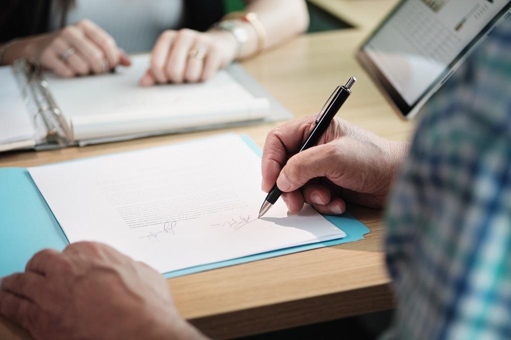 Plano de saúde para idosos: o que eu preciso saber na hora de contratar?