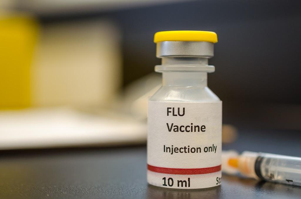 Vacina contra gripe qual a melhor forma de um idoso tomar em tempos de pandemia