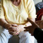 Isolamento Social x Solidão: saiba explicar a importância de ficar em casa para o idoso